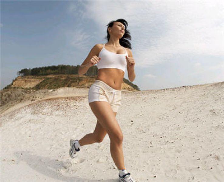 Бег по утрам для похудения: польза утренних пробежек